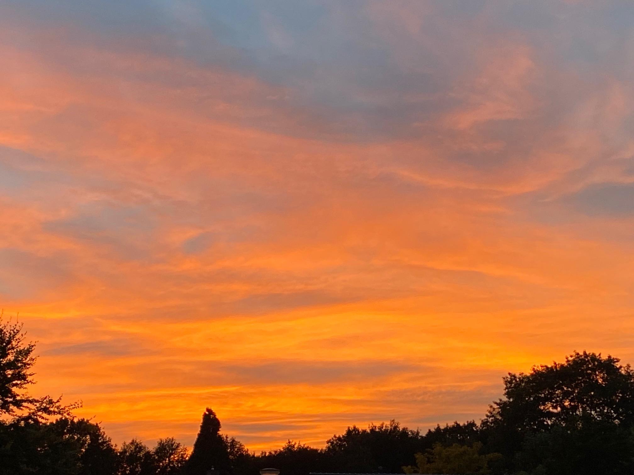 Fraaie zonsondergang te Montfort vanavond